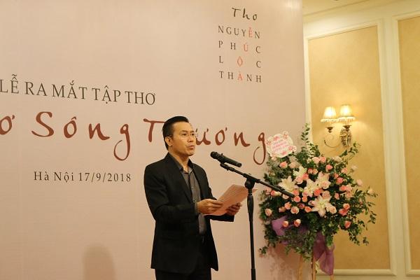 Nhà thơ Nguyễn Phúc Lộc Thành phát biểu tại buổi lễ