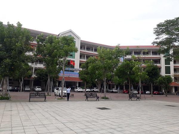 Trường THPT chuyên Đại học Vinh