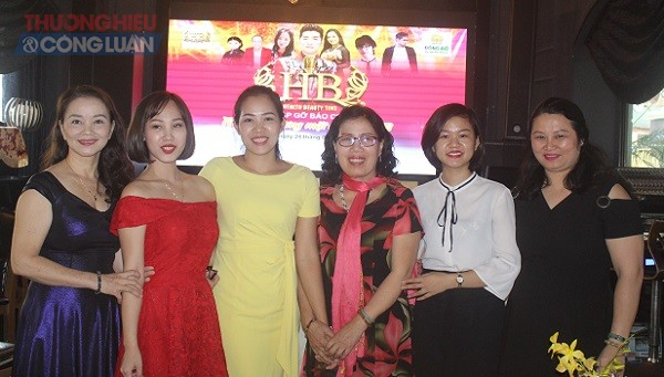 Đại diện HB Spa và khách mời cuộc thi Giọng ca Vàng - Tìm gương mặt đại diện HB (Ảnh Sơn Thủy)