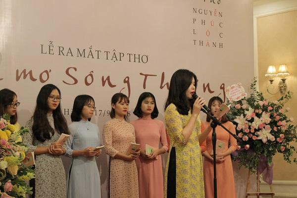 8 bài thơ đặc sắc được 8 bạn sinh viên trường Đại học Văn hóa thể hiện