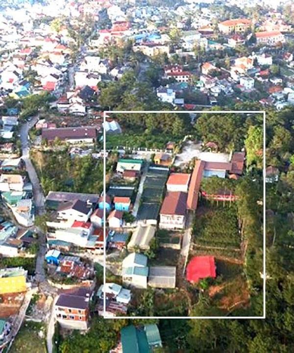 Gần 1.900m2 đất rừng phòng hộ đã bị lấn chiếm để xây nhà hàng.