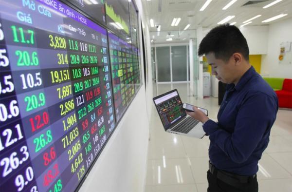 Sau mỗi mùa công bố báo cáo tài chính kiểm toán, niềm tin của nhà đầu tư lại bị lung lay theo sự chênh lệch của các số liệu. Ảnh: ST.