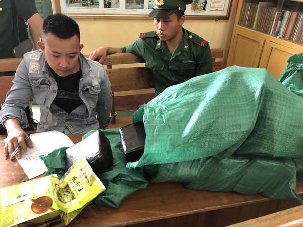 Tang vật vụ nổ sung bắt ma túy ở huyện Tương Dương (Nghệ An)