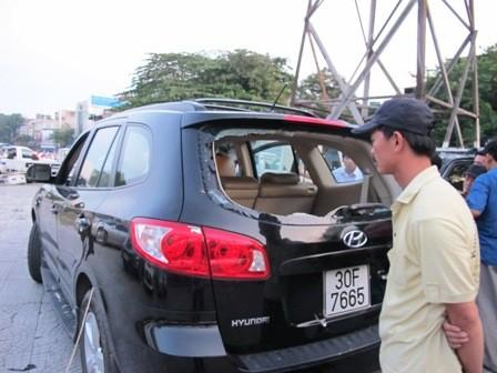 CSGT giải cứu lái xe bị côn đồ truy sát