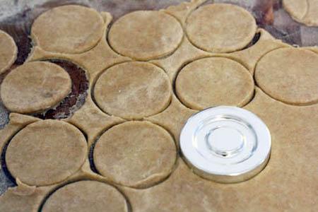 Bánh nướng nhân đào dễ thương