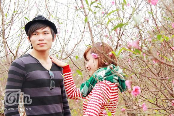 Giới trẻ đổ bộ đến Nhật Tân săn ảnh đẹp ngày giáp Tết