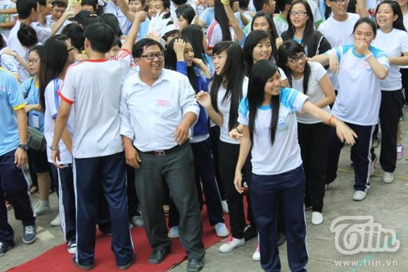 Teen Sài thành điệu nghệ nhảy dân vũ