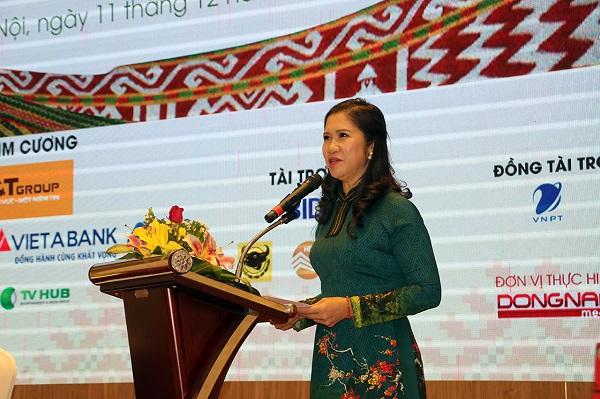 Bà Tôn Thị Ngọc Hạnh, Phó Chủ tịch UBND tỉnh Đăk Nông phát biểu tại buổi họp báo. (Ảnh: Tương Mai)