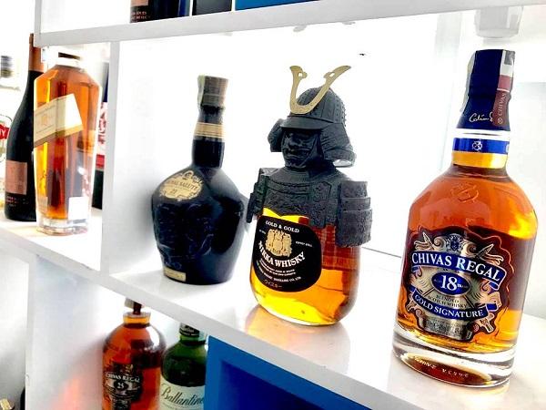 Mùa giáp tết, các loại rượu mạnh được làm giả tràn lan trên thị trường, có thể gây ra ngộ độc đối với người tiêu dùng.
