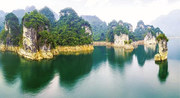 Cọc Vài hay còn gọi là Cọc Vài Phạ, một trong những điểm đến hấp dẫn tại huyện Lâm Bình  (Ảnh Minh Phụng)