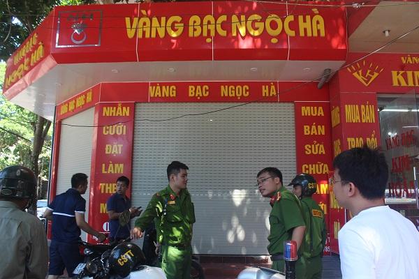 Tổ công tác Công an Phường Nam Hà bắt giữ 2 đối tượng lừa đảo để điều tra