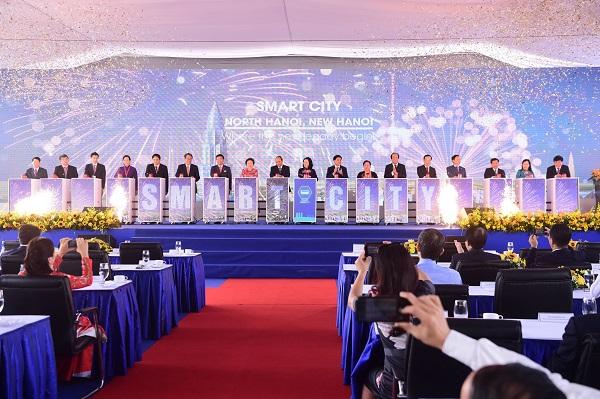 Thủ tướng Chính phủ Nguyễn Xuân Phúc và các đại biểu tại Lễ động thổ và công bố dự án Thành phố Thông minh