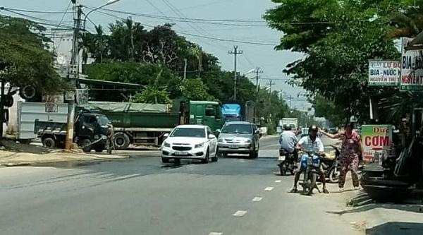 Mặc dù không có phép hoặc giấy phép đã hết hạn nhưng các bến, bãi  trên địa bàn xã Điện Minh, Điện Phương vẫn ngang nhiên hoạt động
