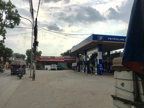 Khu đất Công ty Xăng dầu Hà Sơn Bình cho thuê kinh doanh, sử dụng không đúng mục đích.