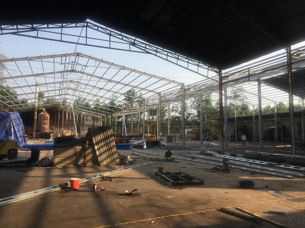 Nhà xưởng của ông Đinh Văn Huy xây dựng trên đất lâm nghiệp vừa qua đã xảy ra hỏa hoạn.