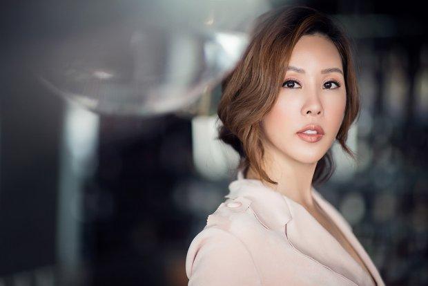Trước Kwon Sang Woo, Thu Hoài từng mời ngôi sao TVB Hồ Hạnh Nhi về Việt Nam.