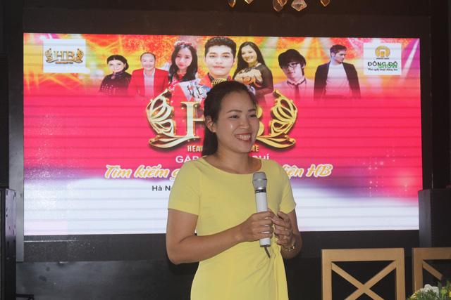 Bà Huỳnh Thị Ngọc Bích, Giám đốc Công ty TNHH HB cho biết spa lựa chọn khách hàng làm gương mặt đại diện vì một chữ thật. (Ảnh: Hồng Vân)