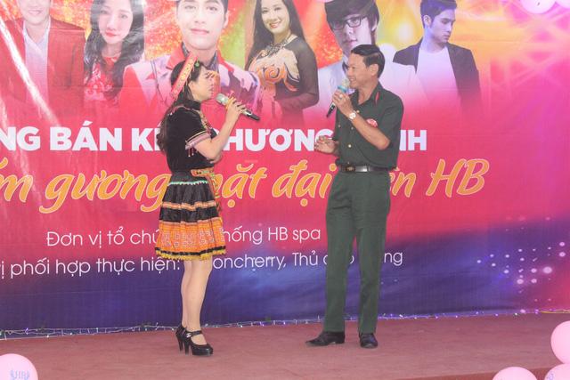 Các thí sinh tham gia vòng bán kết rất đầu tư về trang phục.