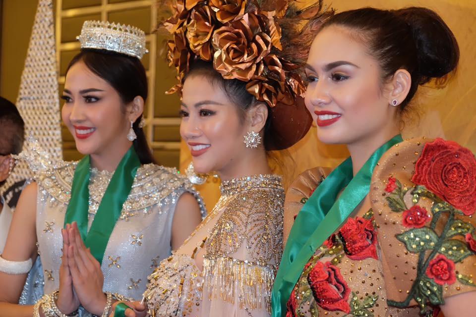 a hau phuong khanh doat huy chuong vang trang phuc dan toc tai hoa hau trai dat 2018