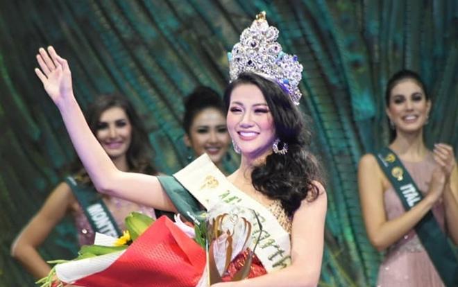 Hoa hậu Hương Giang và Phương Khánh có điểm chung đáng ngờ này khi cũng đăng quang thuyết phục trong năm 2018
