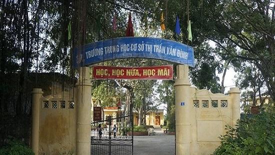 Phụ huynh tố giáo viên đuổi học sinh ra khỏi tiết học ở Hà Nội: Đâu là sự thật?