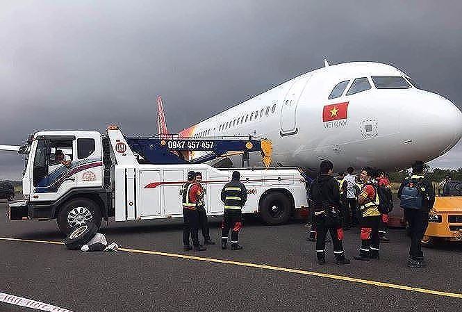 Vietjet xin lỗi hành khách về sự cố máy bay