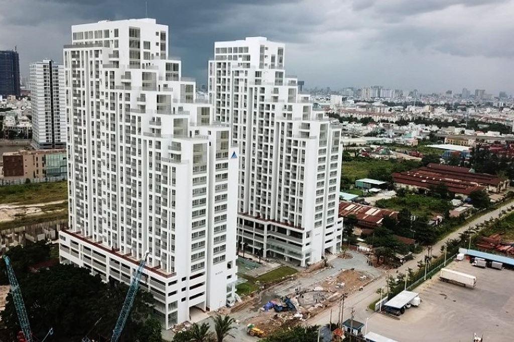 """Khu đất rộng hơn 9.000m2 trên đường Nguyễn Văn Quỳ (phường Phú Thuận, quận 7) nay đã """"mọc"""" lên dự án bất động sản mang tên Luxgarden."""