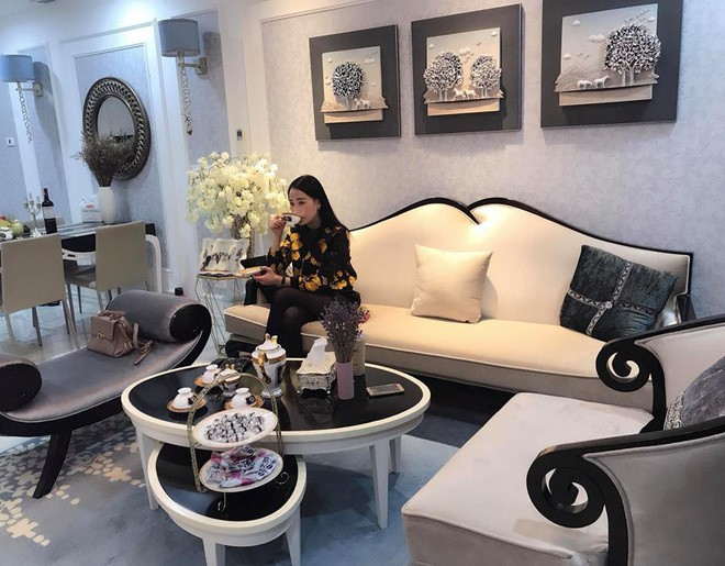 Tuổi 30, Phương Oanh Quỳnh búp bê sở hữu căn hộ cao cấp, xế hộp tiền tỉ - Ảnh 3.