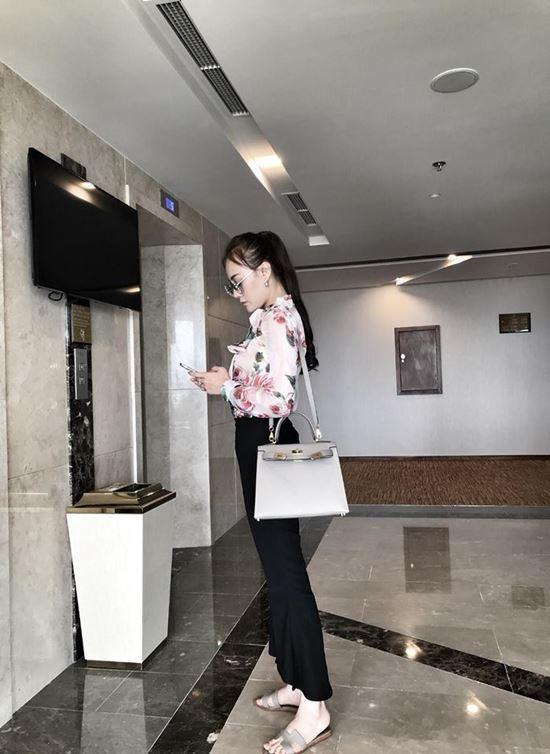 Tuổi 30, Phương Oanh Quỳnh búp bê sở hữu căn hộ cao cấp, xế hộp tiền tỉ - Ảnh 11.