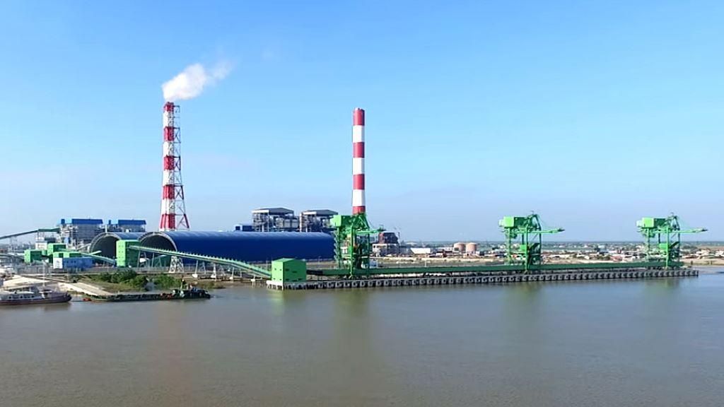 Sau 3 lần đấu thầu mới lựa chọn được nhà thầu cung cấp 3.130 tấn nhiên liệu dầu DO và 42.460,4 tấn dầu HFO để chạy thử Nhà máy Nhiệt điện Thái Bình 2. Ảnh: Đ. Bếp