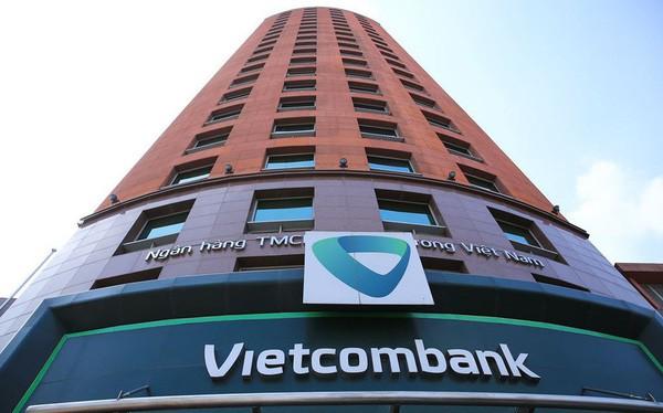 Tiền trong tài khoản 2 khách hàng Vietcombank đồng loạt bốc hơi trong đêm - Ảnh 2.