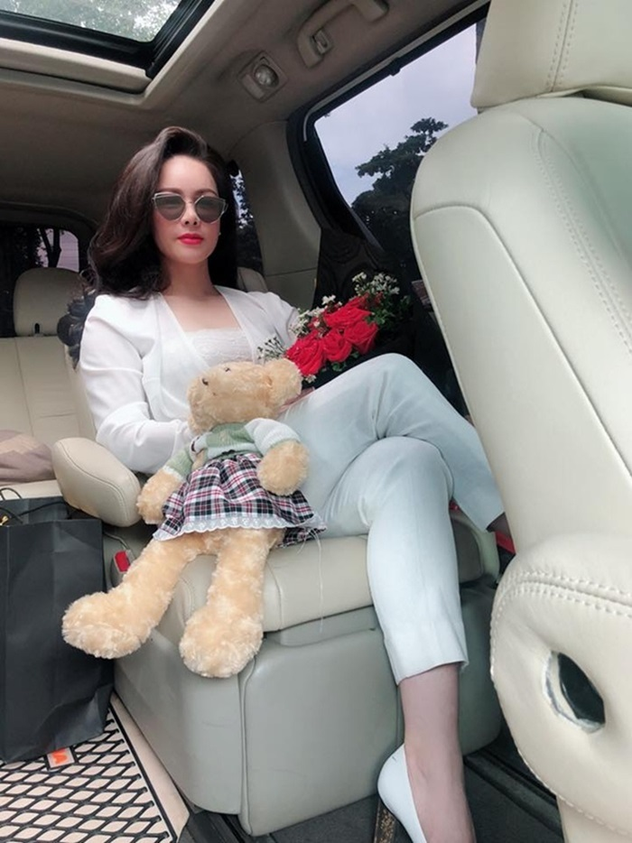 Nhật Kim Anh không cần chồng vẫn giàu nứt vách