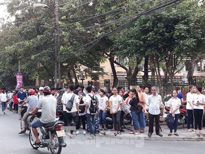 Sáng nay, gần 18.000 học sinh Thái Bình dự thi vào lớp 10 công lập - ảnh 1