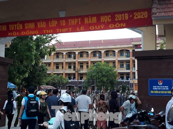 Sáng nay, gần 18.000 học sinh Thái Bình dự thi vào lớp 10 công lập - ảnh 3