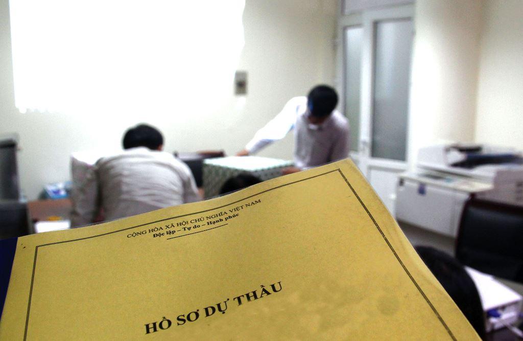 Một nhà thầu không đồng tình về việc Bên mời thầu cho rằng HSDT của nhà thầu này không đạt về hợp đồng tương tự và nhân sự chủ chốt. Ảnh: Tường Lâm
