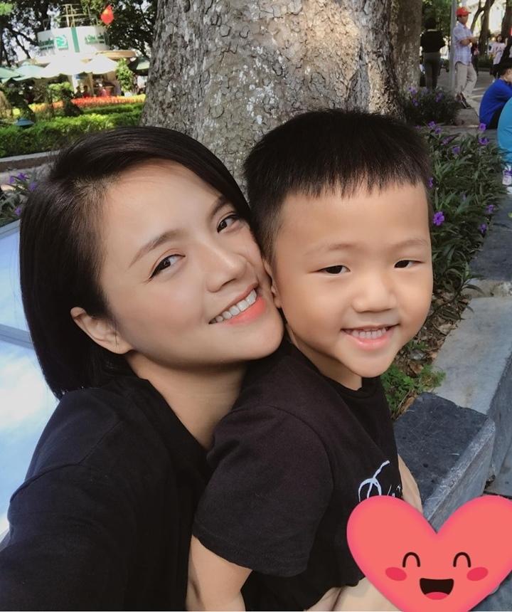 Thu Quỳnh: Cảnh cưỡng hôn ở 'Về nhà đi con' có nhịp tim nhanh của cả tôi và Tuấn Tú