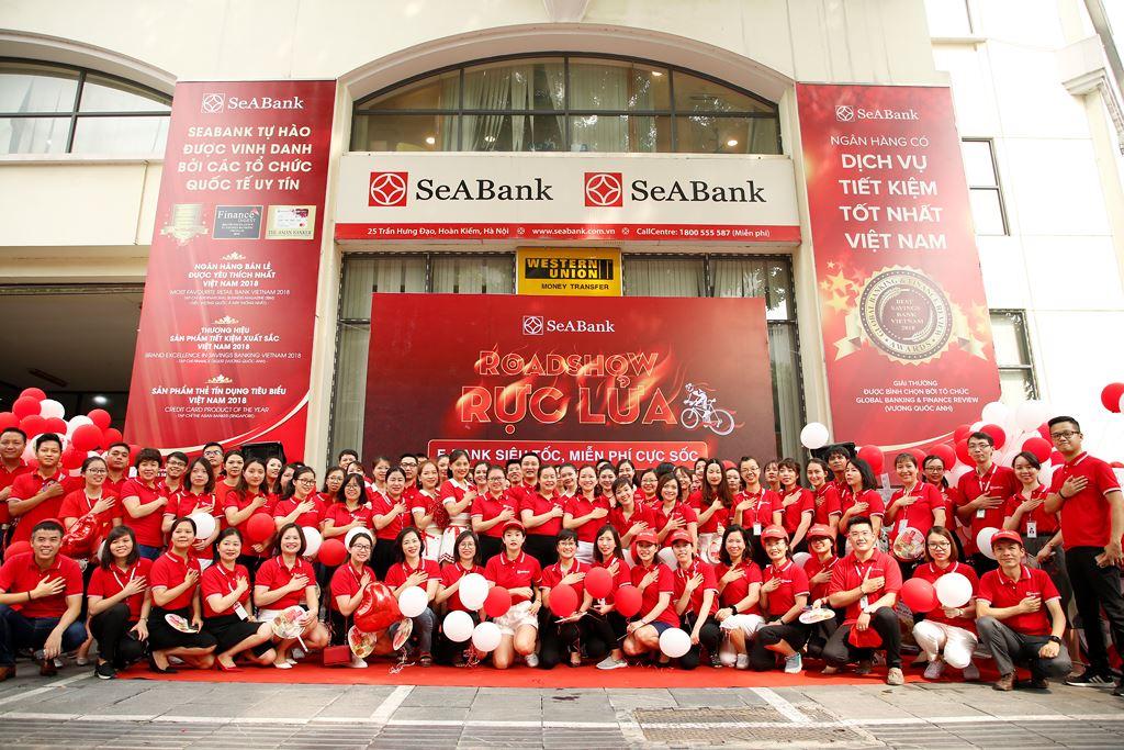 SeABank roadshow hưởng ứng không dùng tiền mặt và miễn phí chuyển tiền - ảnh 1