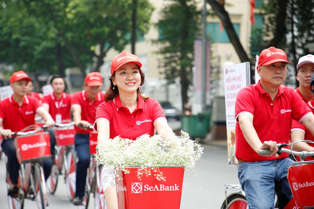 Bà Lê Thu Thủy – TGĐ SeABank tham gia chương trình