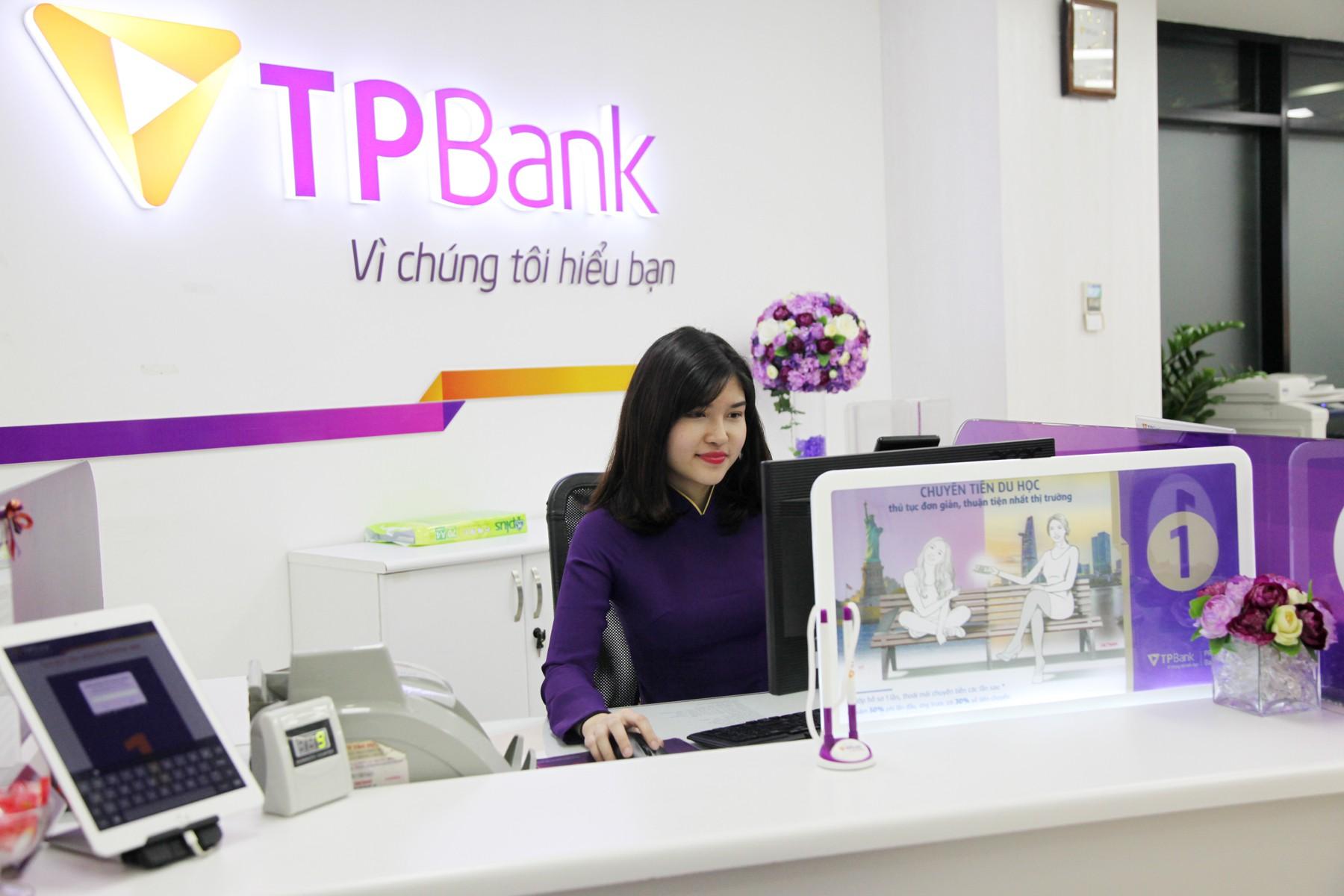 Lợi nhuận TPBank tăng 58% trong 6 tháng đầu năm, thu nhập nhân viên đạt gần 28,8 triệu đồng/người/tháng - Ảnh 1.