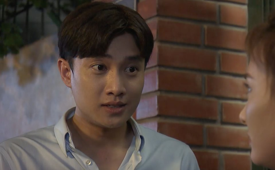 'Về nhà đi con' tập 84, Vũ lao đến nhà Thư lúc nửa đêm chỉ vì 1 ánh mắt