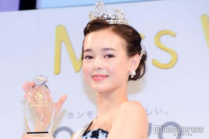 Tân Hoa hậu Thế giới Nhật Bản 16 tuổi, cao 1,59m