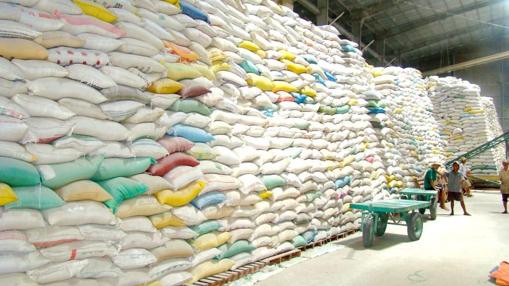 Gói thầu Xây lắp số 1 Công trình Nâng cấp kho lương thực (kho số 2) - Kho dự trữ Phan Rang, Ninh Thuận có giá dự toán hơn 11,4 tỷ đồng. Ảnh minh họa