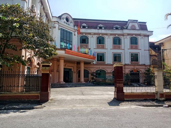 Sáng nay, xét xử 5 bị cáo vụ gian lận điểm thi tại Hà Giang - Ảnh 1.
