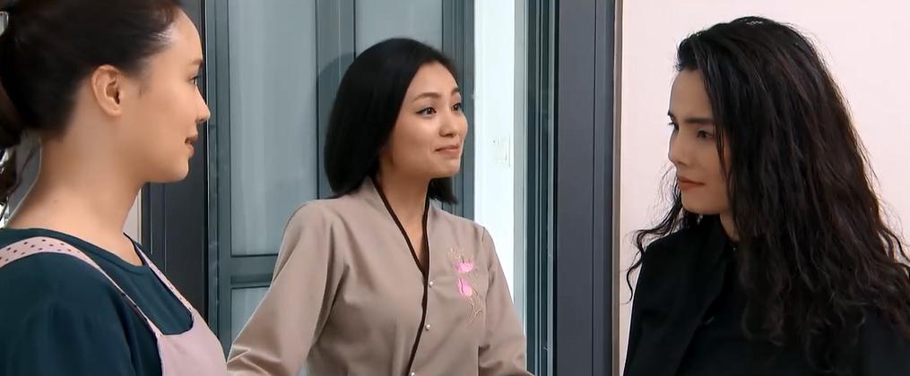'Hoa hồng trên ngực trái' tập 26, San nhờ Dung giúp Khuê giành lại con từ Thái