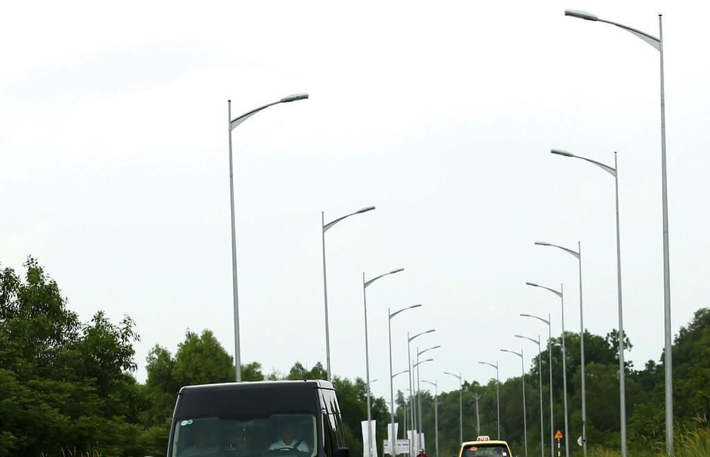 Gói thầu 01.XL thuộc Dự án Hệ thống chiếu sáng các tuyến đường trục chính đạt tiêu chí đô thị loại III, thị xã Kỳ Anh (Hà Tĩnh) dính kiến nghị ngay từ khi bán HSMT. Ảnh: Lê Tiên