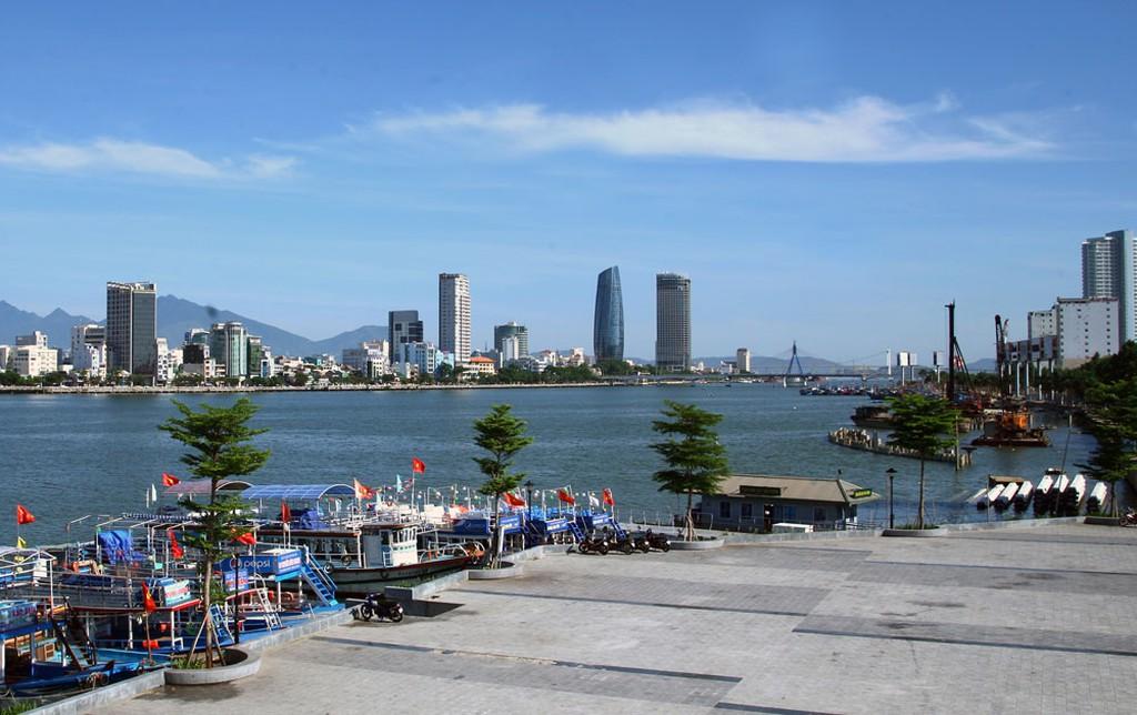 Từ năm 2017 đến nay, TP. Đà Nẵng luôn nằm trong tốp đầu cả nước về tỷ lệ số gói thầu áp dụng đấu thầu qua mạng. Ảnh: Lê Tiên