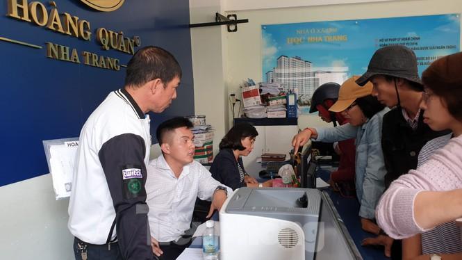Bàn giao nhà ở xã hội HQC Nha Trang cho người dân sau nhiều lần thất hứa - ảnh 1