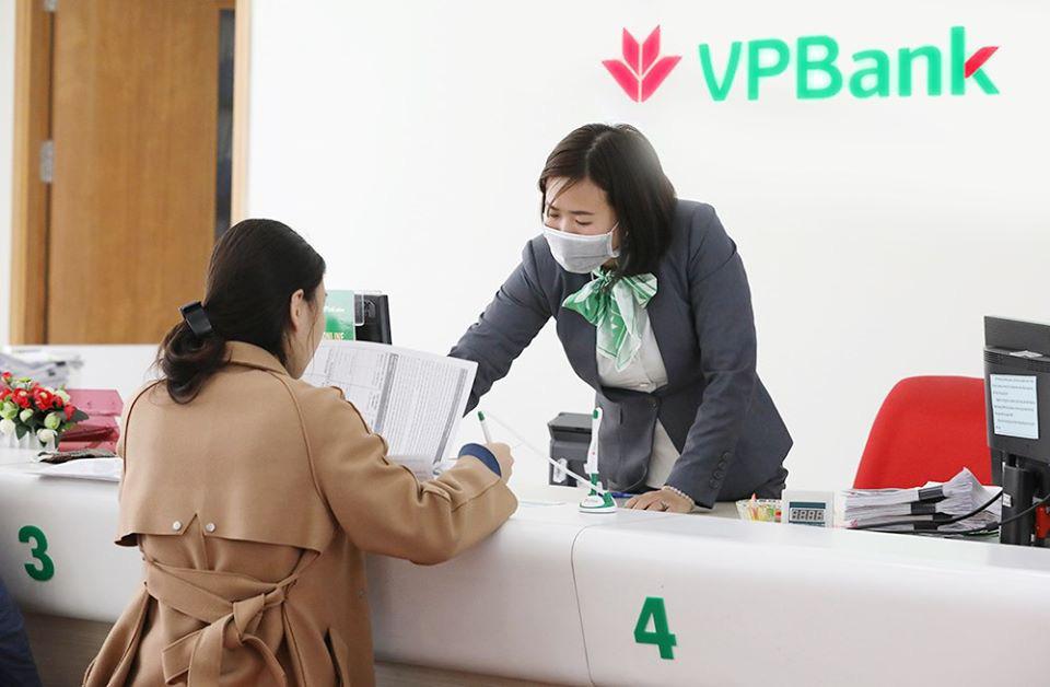 Đối phó với đại dịch COVID-19, 124 điểm giao dịch của VPBank tạm ngừng hoạt động thứ Bảy - Ảnh 1.