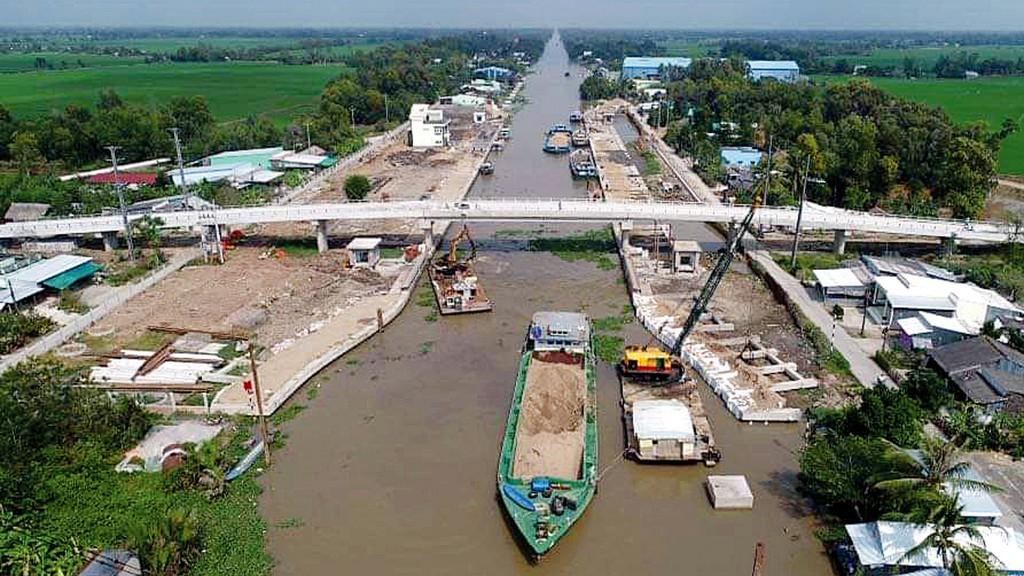 Tình trạng xâm nhập mặn đang ảnh hưởng nghiêm trọng đến đời sống, sinh kế của hàng chục triệu người dân tại Đồng bằng sông Cửu Long. Ảnh: Phan Thanh Cường
