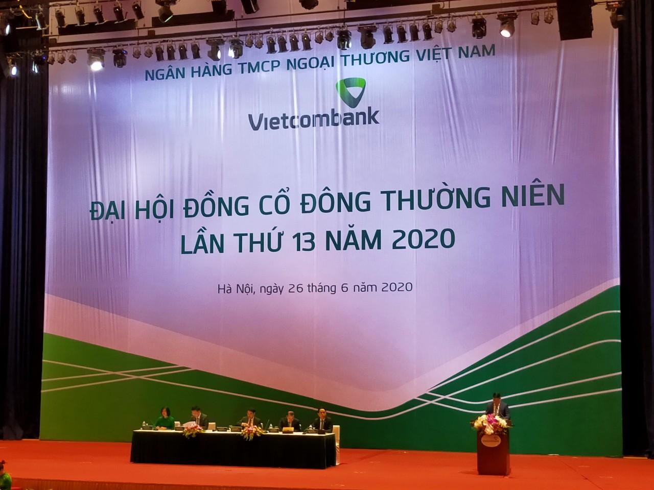 Trích dự phòng vượt yêu cầu 4.300 tỉ đồng, Vietcombank sẽ kiểm soát nợ xấu dưới 1,5% - Ảnh 1.